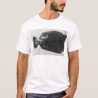 バッファローのビルのポートレート Tシャツ