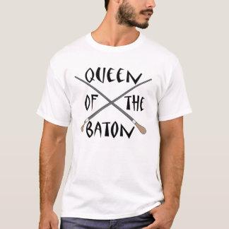 バトンのコンダクターのギフトのおもしろいな女王 Tシャツ