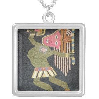 バトン、Paracasの種族を持つ編まれたウールのダンサー シルバープレートネックレス