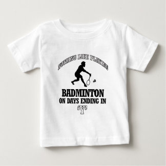 バドミントンのデザイン ベビーTシャツ