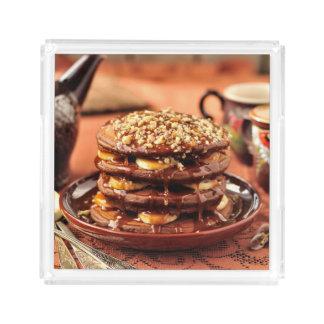 バナナおよびカラメルが付いているチョコレートパンケーキ アクリルトレー
