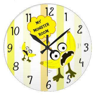 バナナモンスターのフルーツのイラストレーション ラージ壁時計