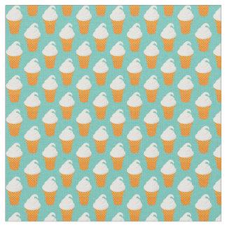 バニラアイスクリームの円錐形パターン ファブリック