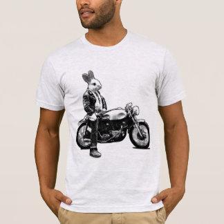 バニーのバイクもしくは自転車に乗る人 Tシャツ