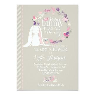 バニーの特別なベビーシャワーの招待状(灰色) カード