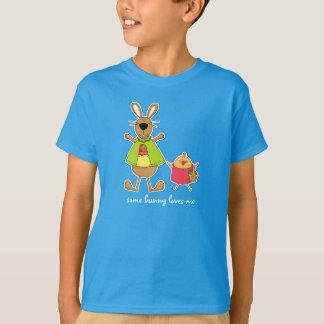 バニーは私を愛します。 イースター子供のTシャツ Tシャツ