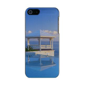 バハマのロングアイランド、プールに反映する望楼 メタリックiPhone SE/5/5sケース