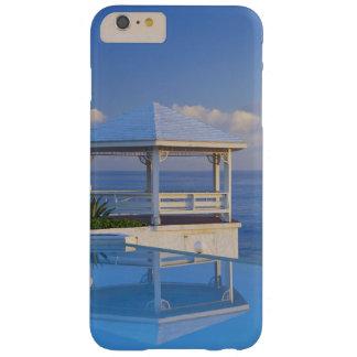 バハマのロングアイランド、プールに反映する望楼 BARELY THERE iPhone 6 PLUS ケース