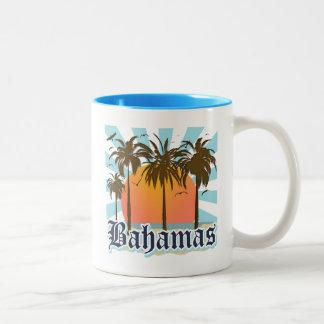 バハマの島のビーチ ツートーンマグカップ