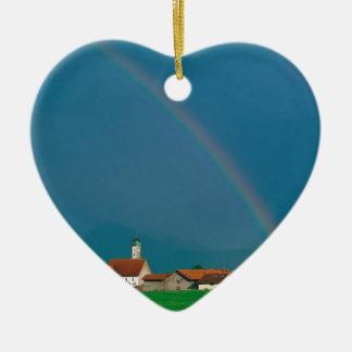 ババリアドイツ上の虹 陶器製ハート型オーナメント