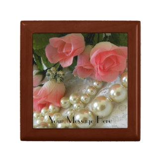 バラおよび真珠のギフト用の箱 ギフトボックス