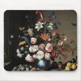バラのユリを持つ花のファインアート マウスパッド