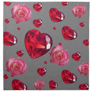バラのルビー色の赤いバレンタインのハートを雨が降ること ナプキンクロス