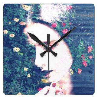 バラのロマンチックな気分の女の子の美しいの花柄の夏 スクエア壁時計