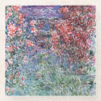 バラの下のGivernyのクロード・モネ の家 ガラスコースター