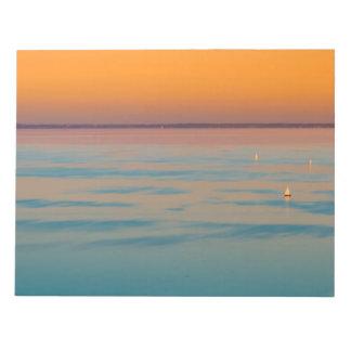 バラトン湖、ハンガリー上の日没 ノートパッド