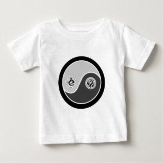バランス2の陰陽の猫 ベビーTシャツ