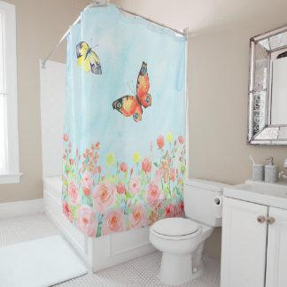 バラ園の蝶かわいらしいピンクの青いエレガント シャワーカーテン