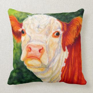 バラ色幸せなHerefordの雌牛牛枕 クッション