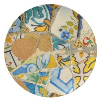 バルセロナスペインのParc Guellのセラミックタイル プレート
