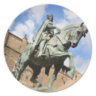 バルセロナ、スペインの乗馬の彫像 プレート