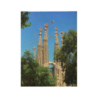 バルセロナ、スペインのSagrada Familia教会 ウッドポスター