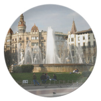 バルセロナ--広場--Catalunya--[kan.k] .JPG ディナープレート