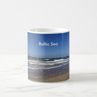バルト海のビーチのマグ コーヒーマグカップ