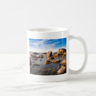 バルト海の海岸の石 コーヒーマグカップ