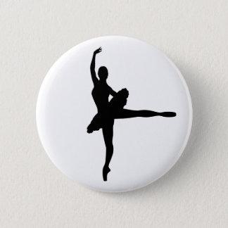 バレエダンサーのアラベスク(バレリーナのシルエット) v2 5.7cm 丸型バッジ