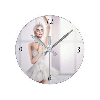 バレリーナの円形の中型の柱時計 ラウンド壁時計