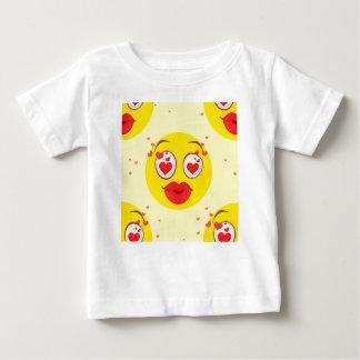 バレンタインのキスEmoji ベビーTシャツ