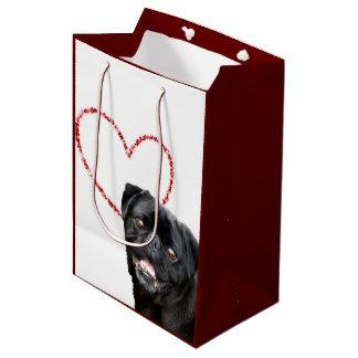 バレンタインのパグ犬のギフトバッグ ミディアムペーパーバッグ