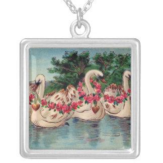 バレンタインの白鳥のネックレス シルバープレートネックレス