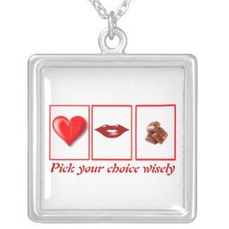 バレンタインデーのおもしろいなネックレス シルバープレートネックレス