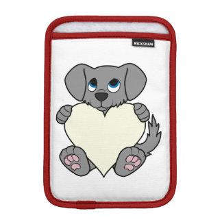 バレンタインデーのクリーム色のハートの灰色の小犬 iPad MINIスリーブ
