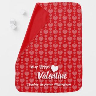 バレンタインデーのベビーブランケットの赤く、ピンクのハート ベビー ブランケット