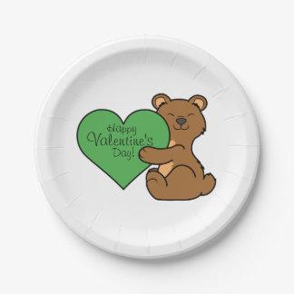 バレンタインデーの緑のハートのかわいいヒグマ ペーパープレート