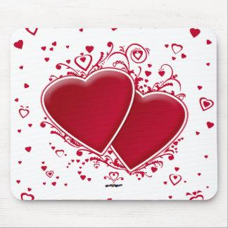 バレンタインデーの2つの赤いハート マウスパッド