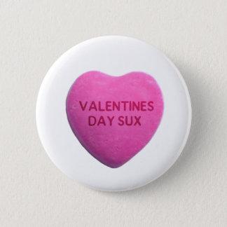 バレンタインデーはピンクキャンデーのハートを吸います 5.7CM 丸型バッジ