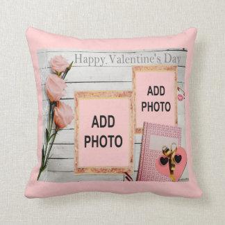 バレンタイン、ピンクのバラ、ハートはあなたの写真を加えます クッション