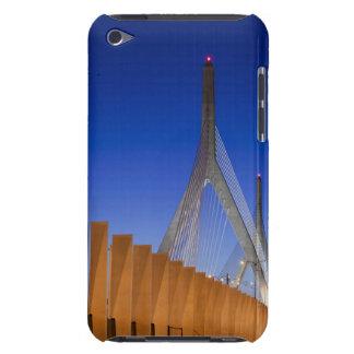 バンカーヒル橋、ボストン、マサチューセッツ Case-Mate iPod TOUCH ケース
