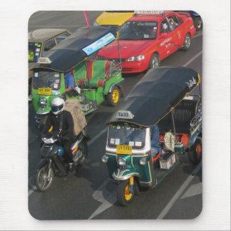 バンコクの交通… Tuk Tukの競争 マウスパッド