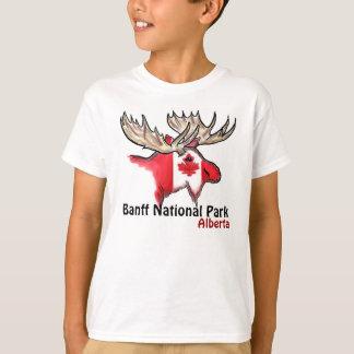 バンフ国立公園のアルバータカナダの男の子のティー Tシャツ
