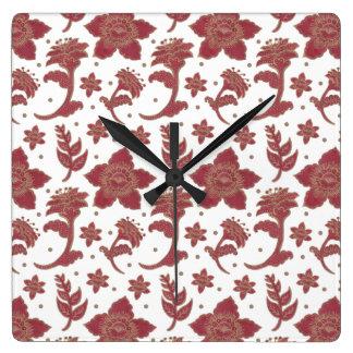 バーガンディのろうけつ染めの花 スクエア壁時計