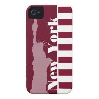 バーガンディは縞で飾ります; ニューヨーク Case-Mate iPhone 4 ケース
