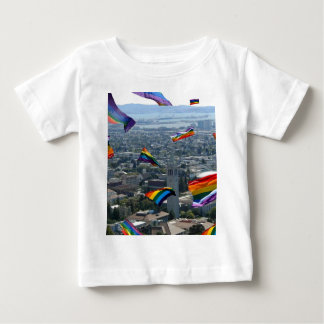 バークレー上の虹のプライド ベビーTシャツ