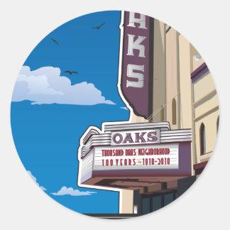 バークレー、カリフォルニアのSolanoの道のカシの劇場 ラウンドシール