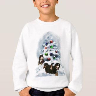 バーニーズ・マウンテン・ドッグのクリスマスのギフト スウェットシャツ