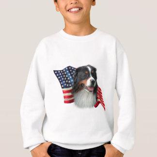 バーニーズ・マウンテン・ドッグの旗 スウェットシャツ